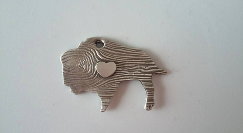 Silver - Wood texture buffalo with heart